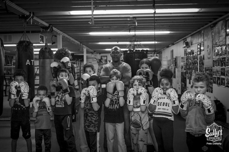 kids boxing class group picture at sullys boxing gym toronto